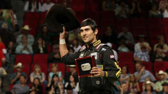 Prestes a se tornar o atleta mais premiado da história da PBR, Silvano Alves será um dos representantes da nova geração